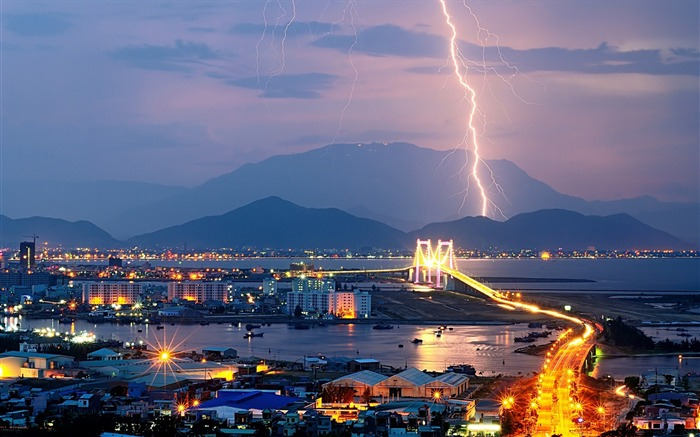Night lights mountains lightning-Cities HD Wallpaper Views:1274