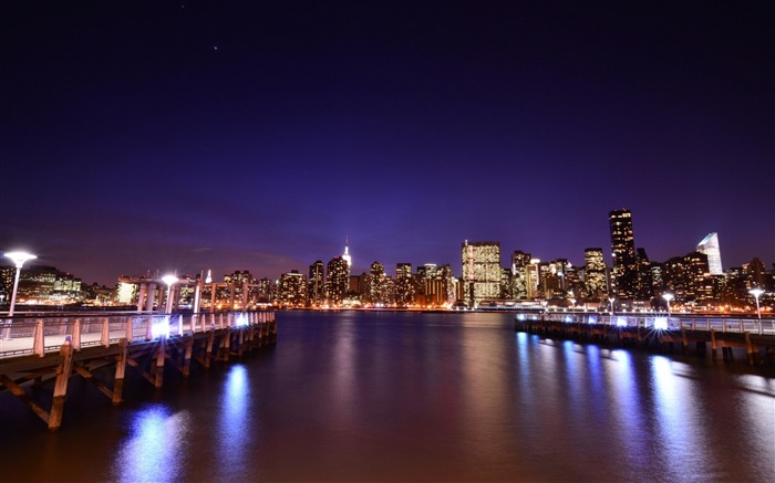 Night lights water-Cities HD Wallpaper Views:1396