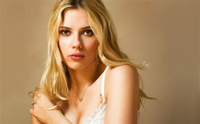 Scarlett Johansson-photo HD Desktop Wallpaper Views:1096