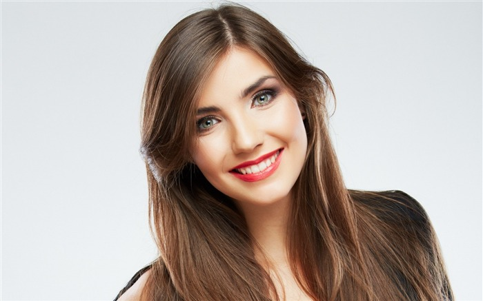 Smile makeup girl-Photo HD Wallpapers Views:3059