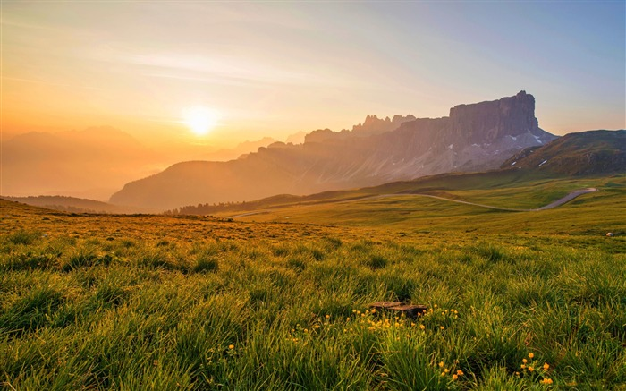 Sunrise grassland-Nature Photo HD Wallpaper Views:1117