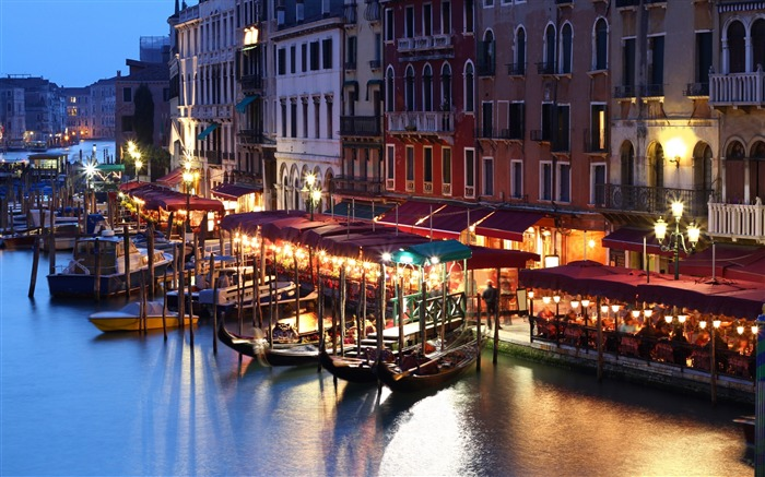 Venice italy building evening-Cities HD Wallpaper Views:1097