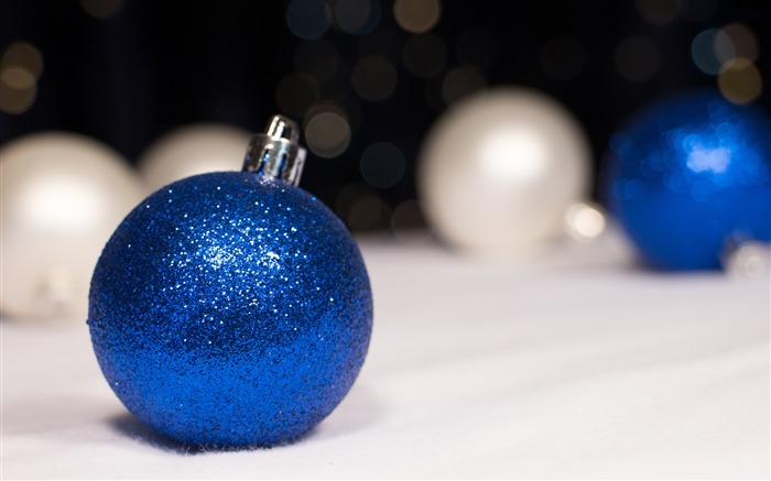 Blue sparkle ornament-Merry Christmas New YearWallpaper Views:3354