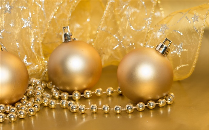 Golden decorations-Merry Christmas New YearWallpaper Views:3744