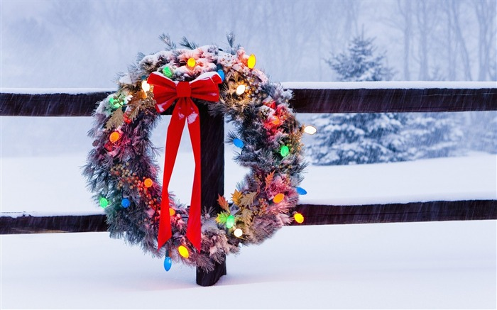New year spruce snow winter-Holiday Theme HD Wallpapers Views:1245