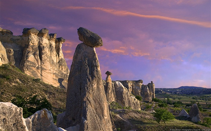 Cappadocia fairy chimney rock at dusk-Windows 10 Theme HD Wallpaper Views:2880