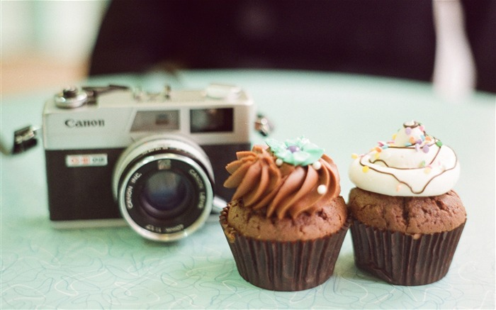 Sweet cupcakes food theme HD desktop wallpaper 14 Views:1366