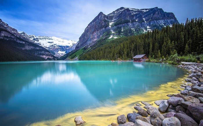 Amazing turquoise water lake guarded-Nature Scenery HD Wallpaper Views:2307