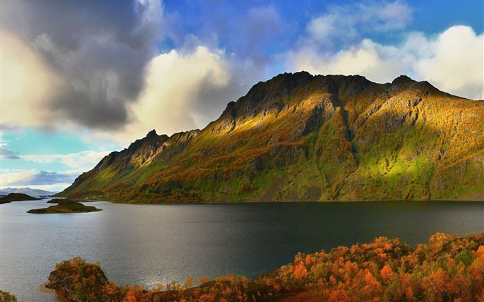 Autumn hills at the lake-Nature Scenery HD Wallpaper Views:2183