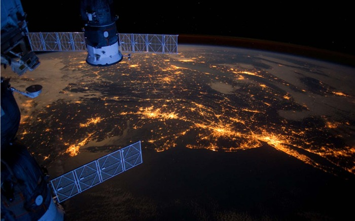 Nighttime Lights in a US Megalopolis-Universe Desktop Wallpaper Views:1530