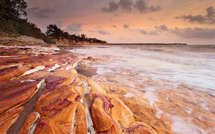 Rusty rocks washed ocean-Nature Scenery HD Wallpaper Views:1894