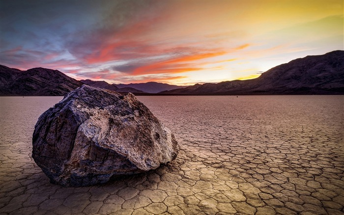 Sunset over the barren land-Nature Scenery HD Wallpaper Views:689