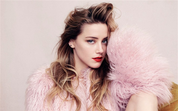 Amber Heard Elle Magazine-Beauty Photo HD Wallpaper Views:1775
