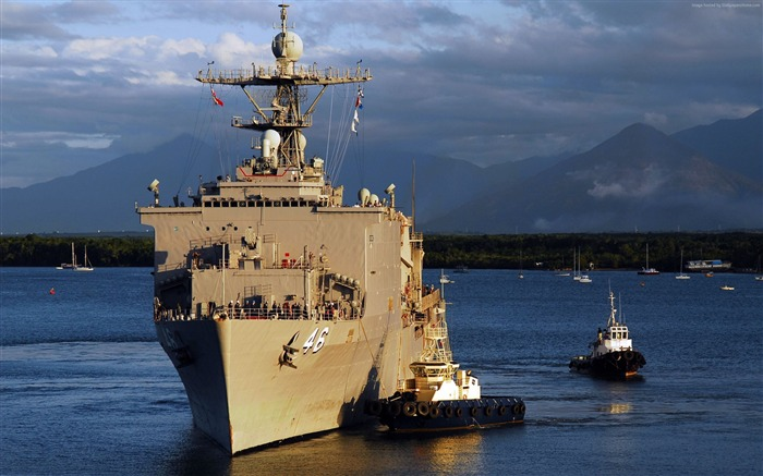 Whidbey island class dock landing ship-Military Vessels HD Wallpapers Views:1875