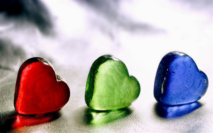 Heart glass ice colored-Still Life Macro HD Wallpaper Views:1973