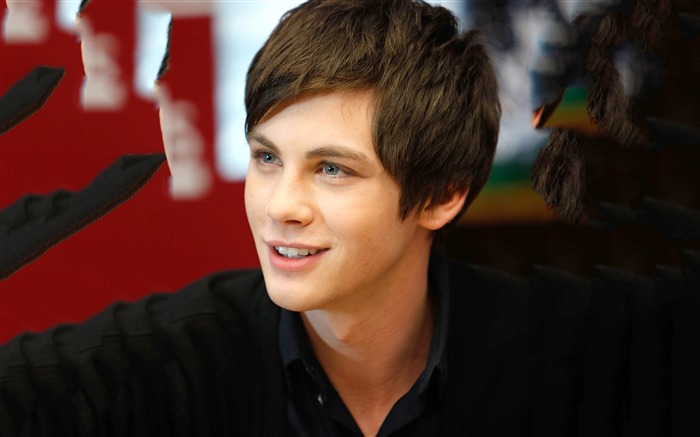 Logan Lerman-men actor photo HD wallpaper Views:1439