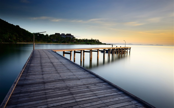 Morning Ocean pier-Nature Scenery HD Wallpaper Views:2429