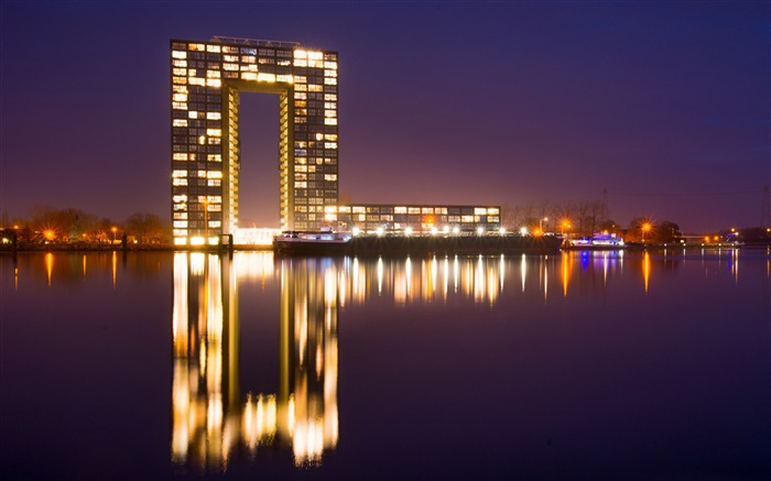 Title:Netherlands city night-2016 High Quality Wallpaper Views:1256