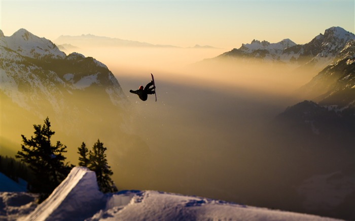 Snow Mountain Snowboarding Extreme HD Wallpaper 08 Views:1585