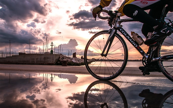 Dusk seaside riding-2016 Sport HD Wallpaper Views:2494