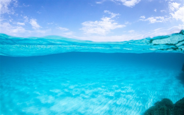 Half underwater-Ocean scenery HD wallpaper Views:3916