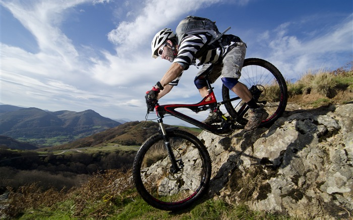 Outdoor mountain biking-2016 Sport HD Wallpaper Views:2601