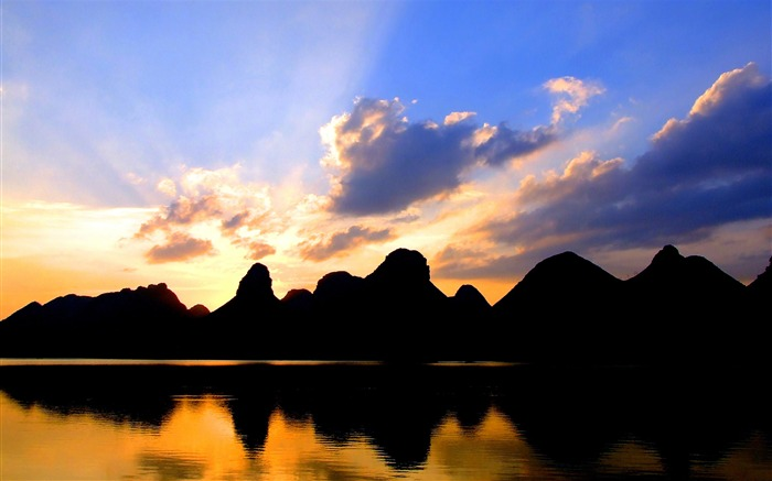 Chinese Landscape Sunset Silhouette-HD Retina Wallpaper Views:1750
