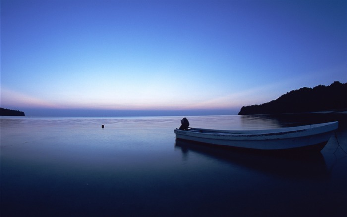 Evening calm lake vessels-HD Retina Wallpaper Views:1802