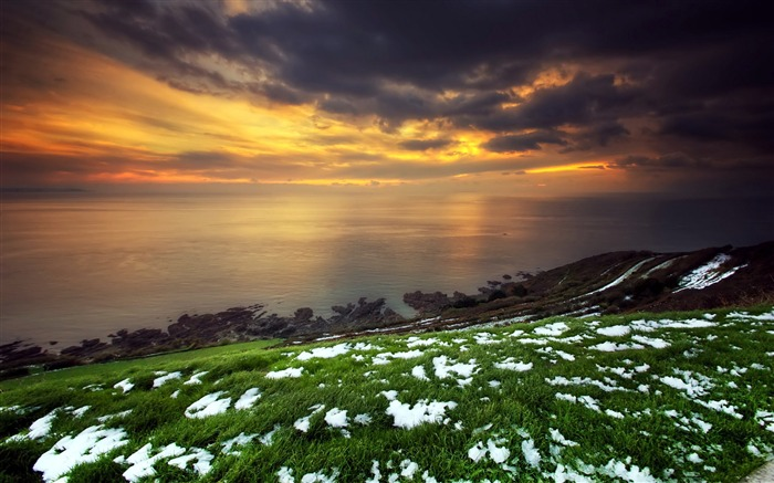Snow green grass sunset-Scenery High Quality Wallpaper Views:1353