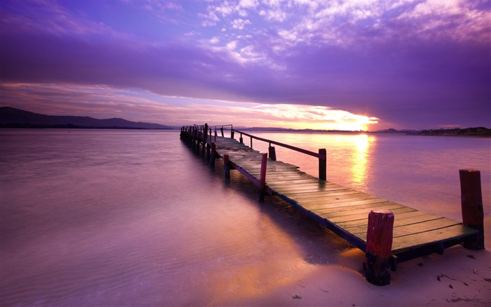Sunset on the lake boardwalk-HD Retina Wallpaper Views:1790