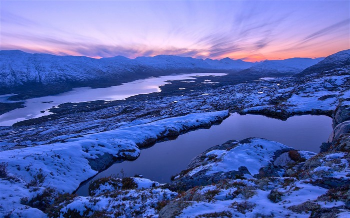 Winter snow plateau-HD Retina Wallpaper Views:1409