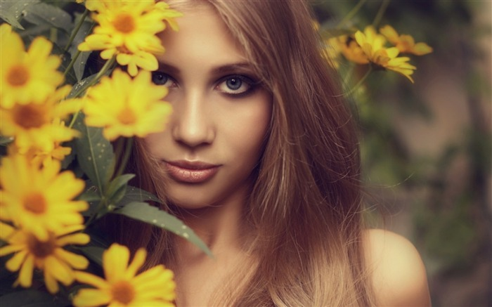 Blonde hair flowers girl-Beauty poster wallpaper Views:1726