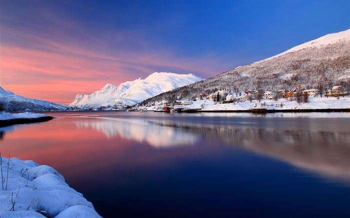 Hometown silent river mountains snow-Nature scenery wallpaper Views:2251