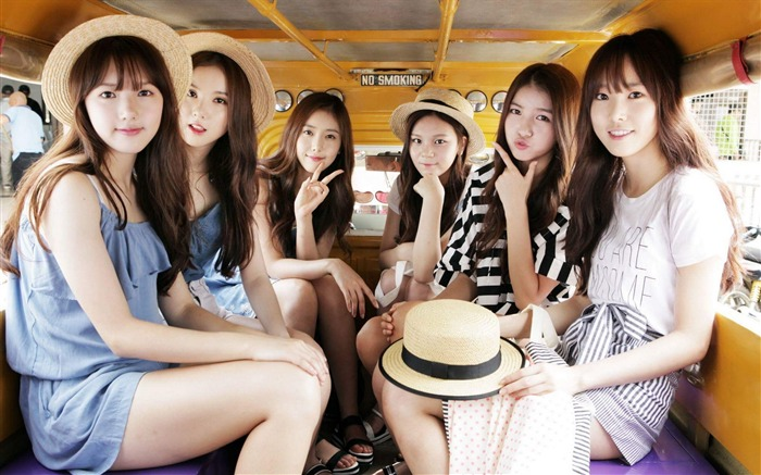 Korean girls singers GFriend Desktop Wallpaper Views:8708