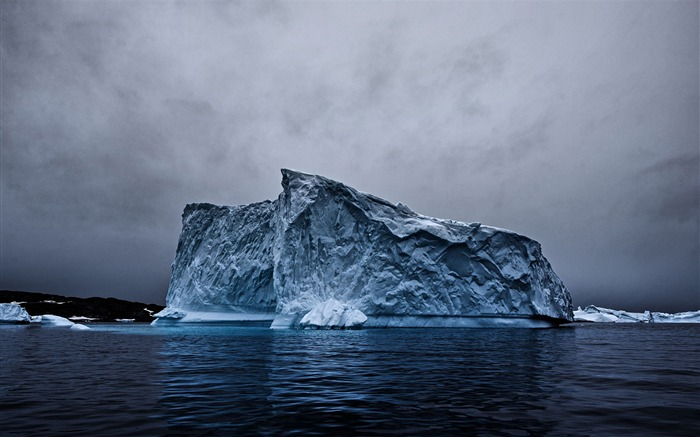 Iceberg reflection landscape-Nature High Quality Wallpaper Views:1377