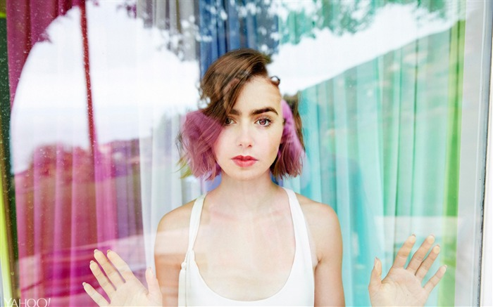 Lily Collins Actress Model-2016 Celebrity HD Wallpaper Views:1261