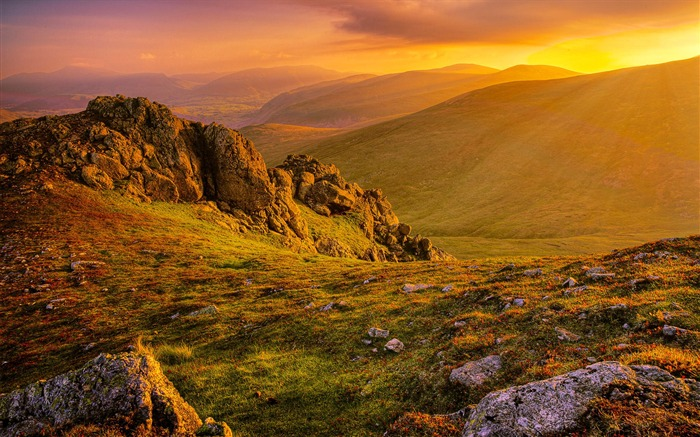 Morning sunrise mountains grass rocks-Scenery High Quality Wallpaper Views:4417 Date:10/23/2016 6:47:19 PM