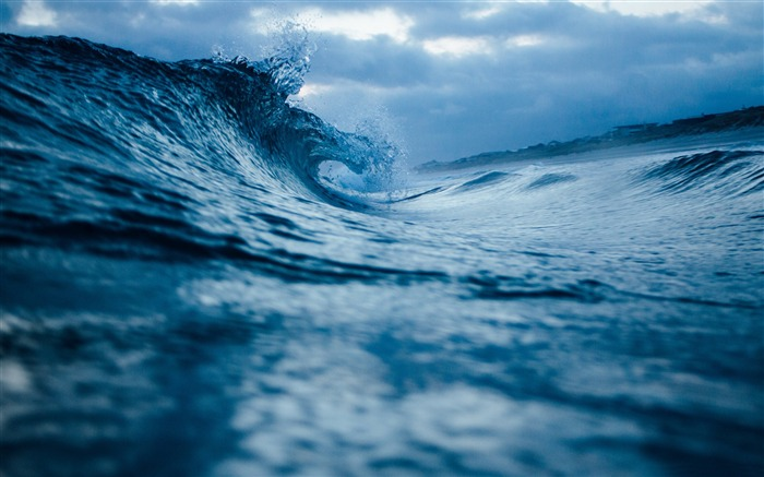 The waves rolling in the evening-HD Retina Wallpaper Views:696