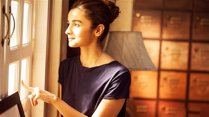 Alia bhatt dear zindagi 2016-Model Photo Wallpaper Views:1903