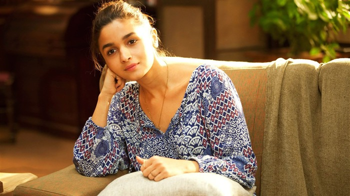 Alia bhatt kaira dear zindagi-Model Photo Wallpaper Views:1810