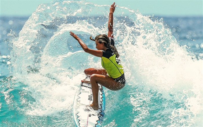 Girl on a surfboard-Sports Poster Wallpaper Views:1602