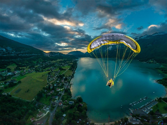 Paragliding Extreme Challenge-Sports Poster Wallpaper Views:1263