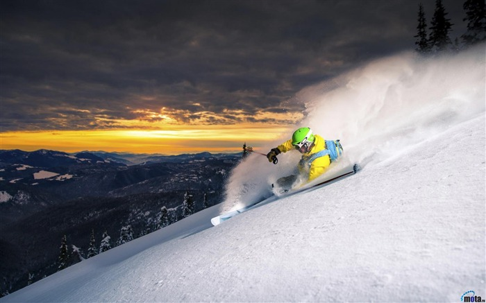 Skier on downhill-Sports Poster Wallpaper Views:1212