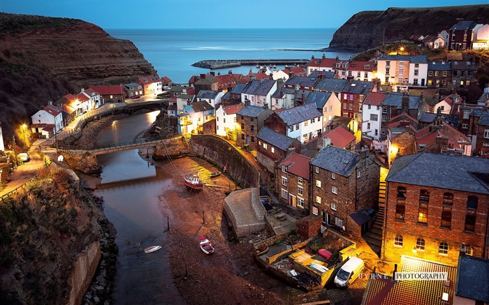 Staithes nighttime-England travel scenery wallpaper Views:1300