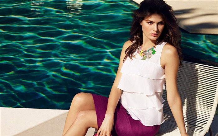 Isabeli Fontana Actress-Beautiful Model HD Wallpaper Views:1441