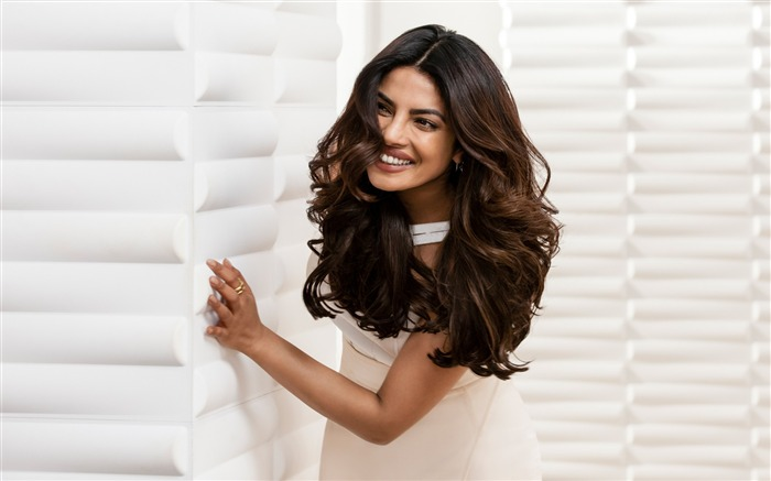 Priyanka chopra pantene-Beautiful Model HD Wallpaper Views:1181