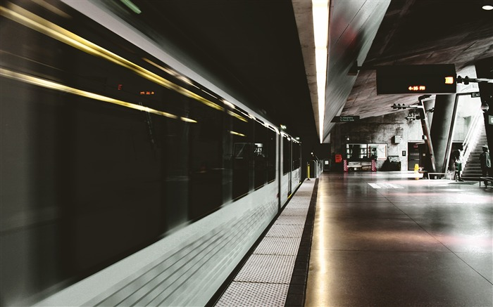 White and black inside subway train station-Cities Photography HD Wallpaper Views:1118