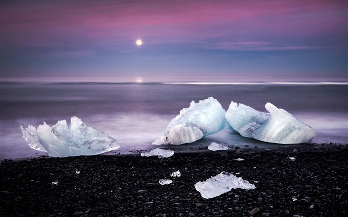 Winter beach ice cubes-Scenery HD Wallpaper Views:1618