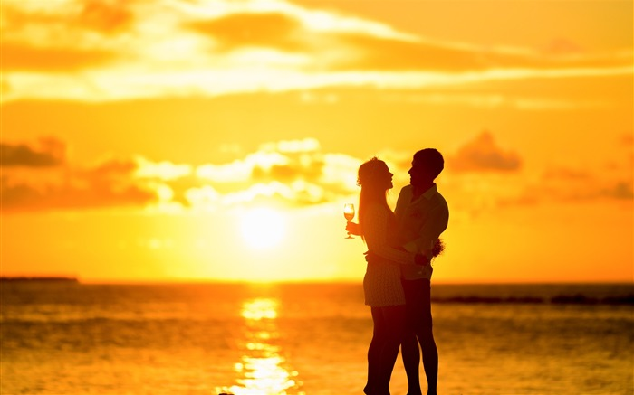 Title:Couple seashore hugging sunset-Valentine 2017 HD Wallpaper Views:1343