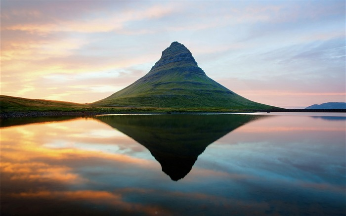 Iceland Travel Nature Landscape Photo Wallpaper 13 Views:940